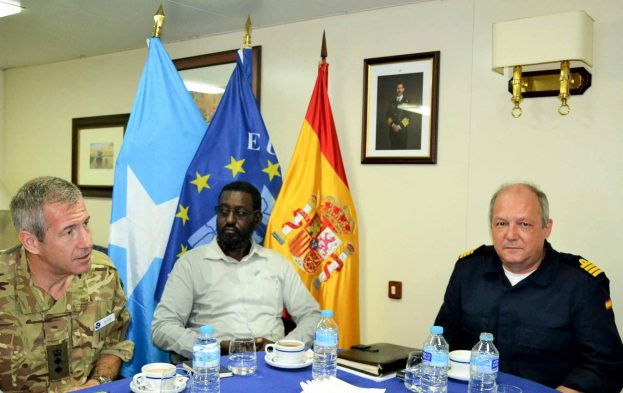 24.-ESPS-GALICIA_KLE-HOBYOGALMUDUG.-GLC´s-CO-Minister-and-COS-pose-with-3-flags-in-the-background-623x393
